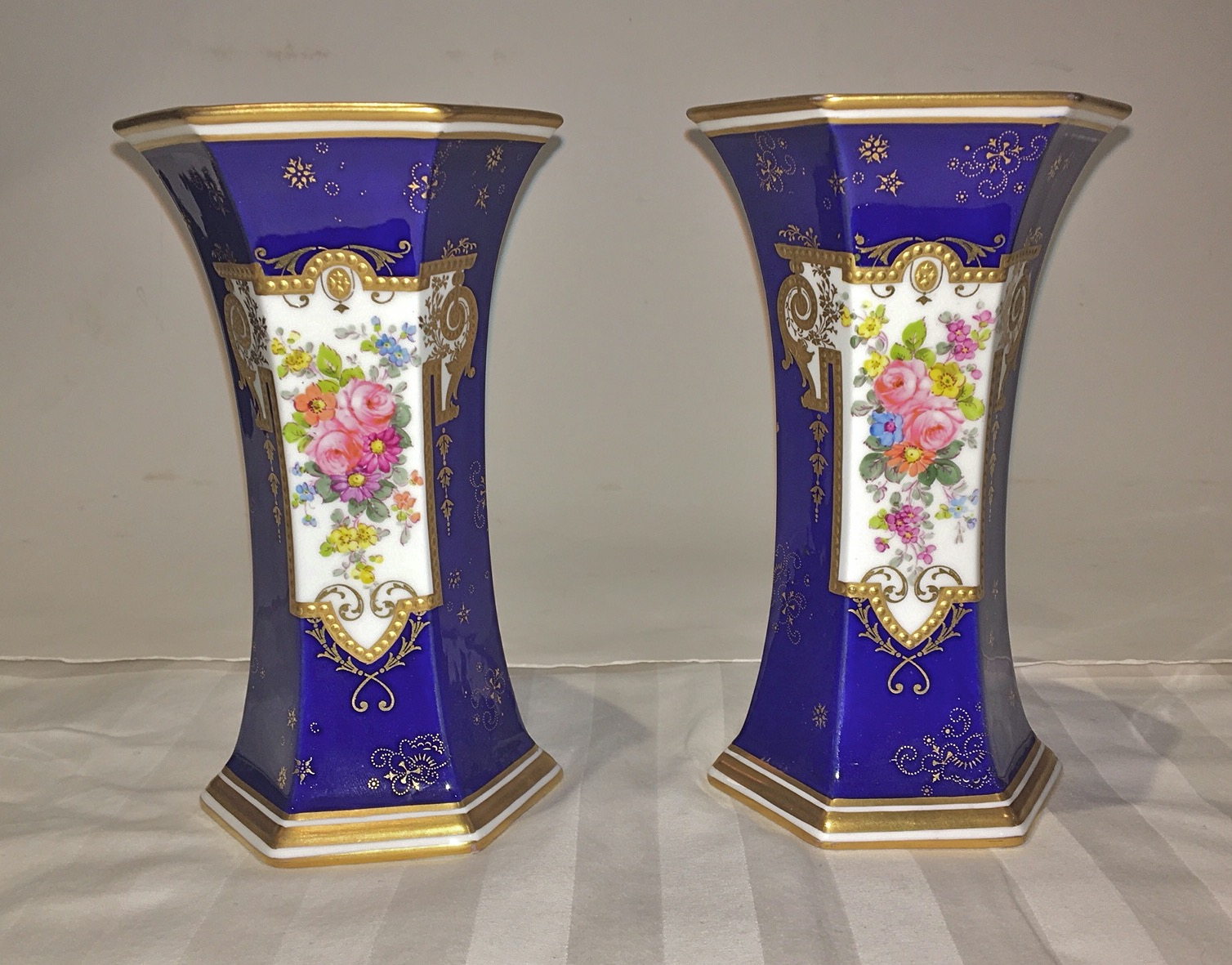 04a_A pair of Royal Crown Derby porcelain vases.jpg