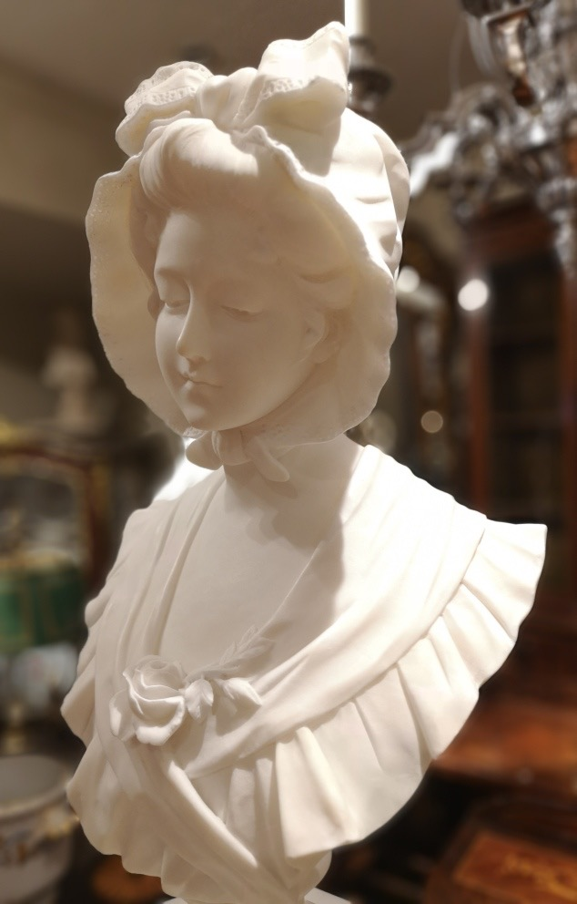 19th century French bust of a girl