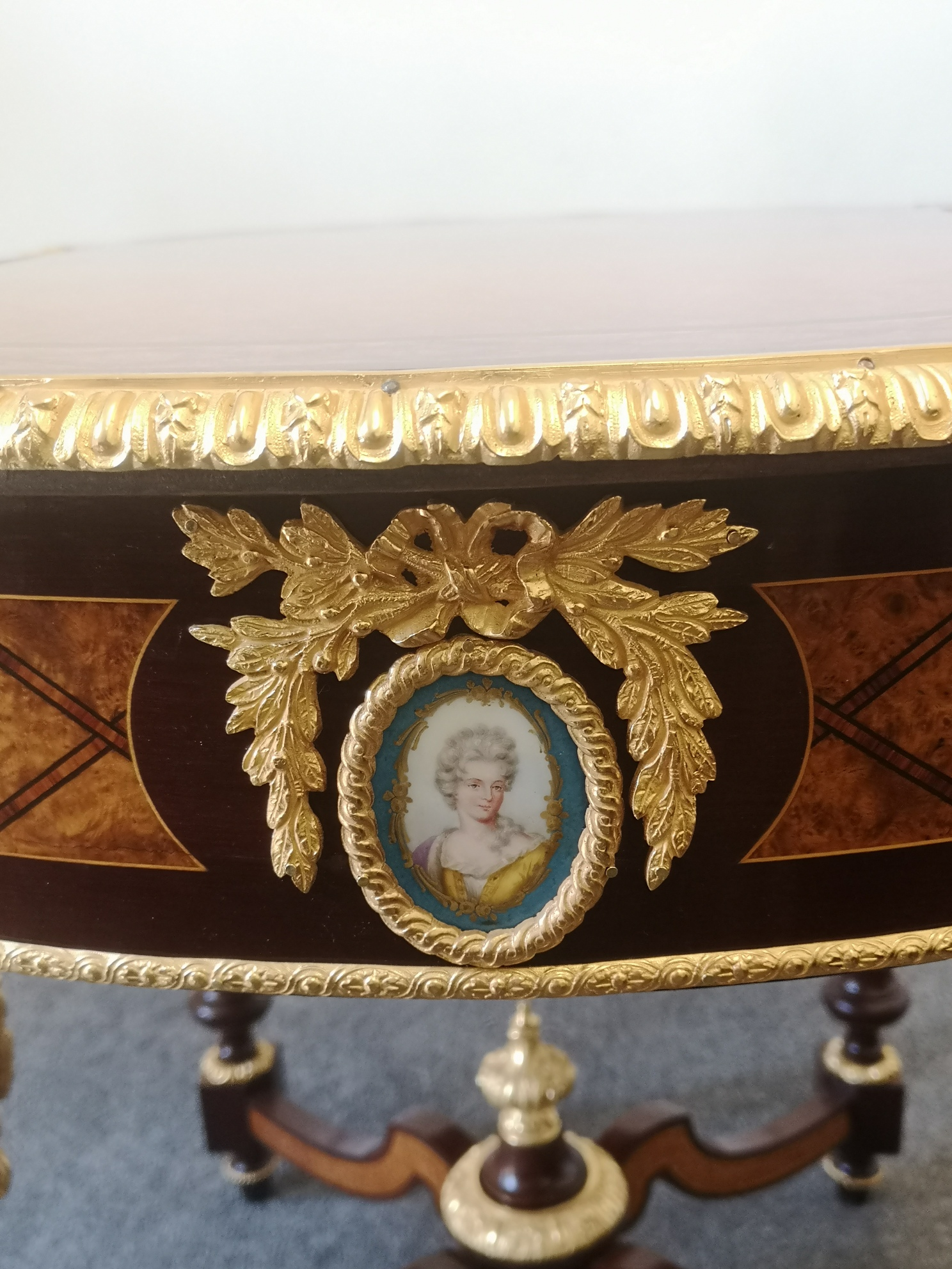 Very Fine 19th Century French Amboyna Gilt Bronze And Sevres Plaques Table